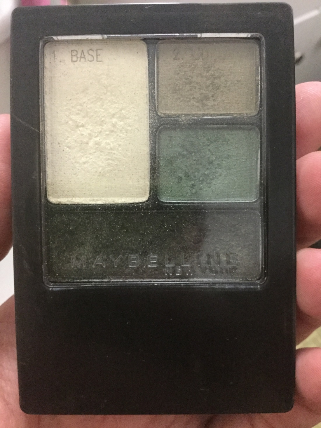 Green eyeshadow palette